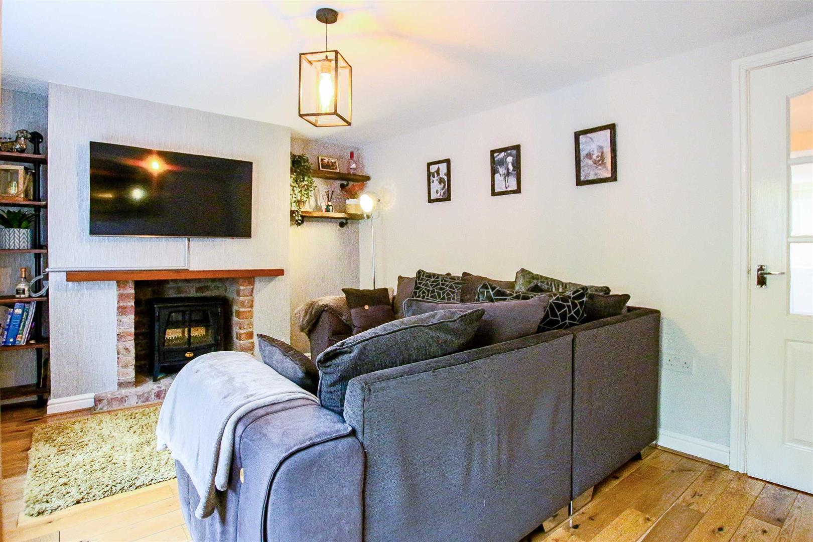 2 Bedroom Terraced Cottage For Sale - Image 14